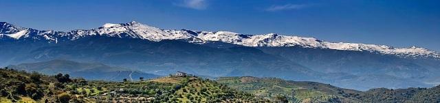 Sierra Nevada View-of-Sierra-Nevada-mountains2