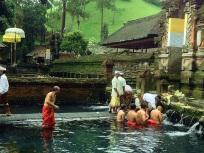 pura_tirta_empul_ubud_bali_indonesia