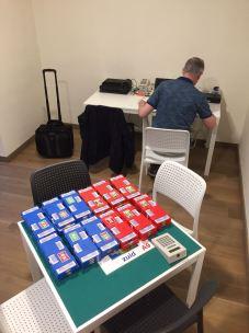 Leo sorteert de kaarten met de dupliceermachine